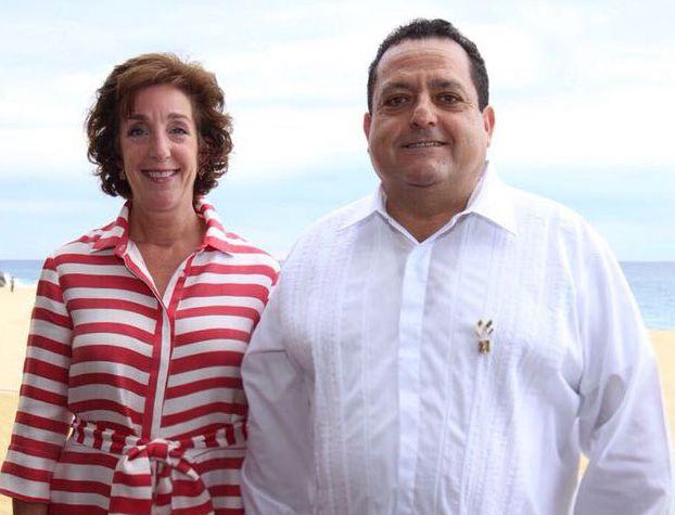 La embajadora de los Estados Unidos en México, Roberta Jacobson y el gobernador del Estado, Carlos Mendoza Davis