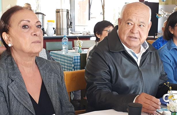 Lucía Trasviña y Víctor Castro