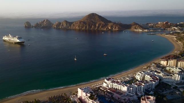 Aumentó la ocupación hotelera y pasajeros de avión en Los Cabos durante el primer trimestre de 2018