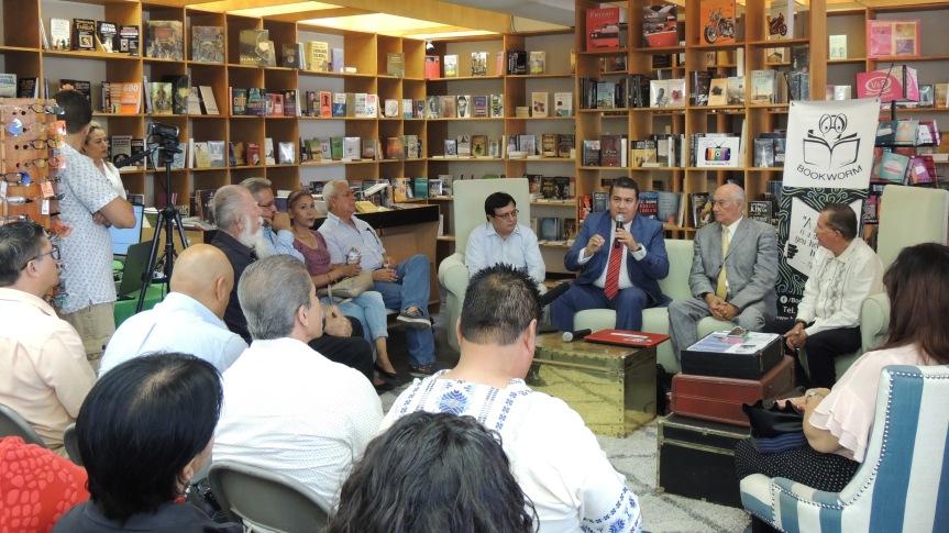 Conferencia Rector Los Cabos (3)1