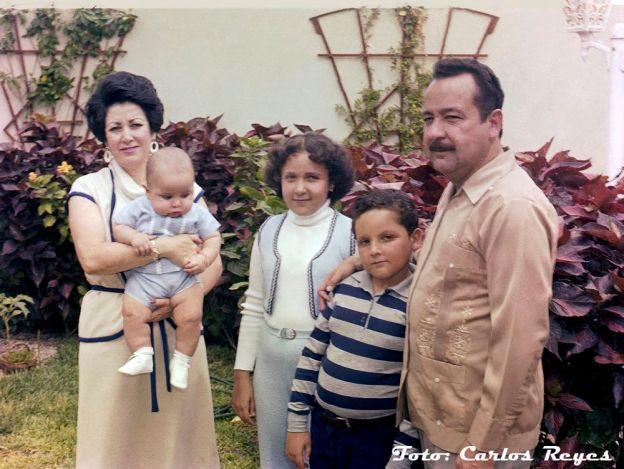 05 AMCA, dona Luz Davis de Mendoza y sus tres hijos, entre ellos, el actual Gobernador de BCS 2
