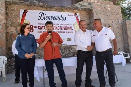 Reconocimiento a Ramiro Salgado, por su invaluable apoyo a las 8 ediciones del Festivial del Vino Misional Los Comondú, 2018