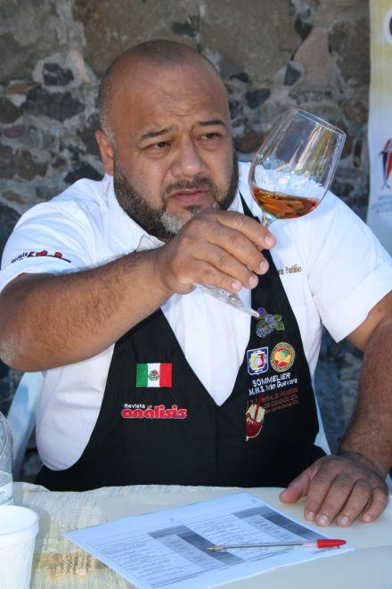 Master Wine Sommelier, Iván Guevara Patiño