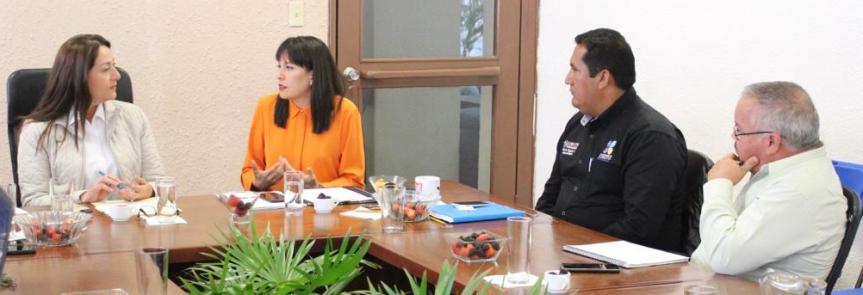 dip. Milena Quiroga Romero con Alcaldesa de Loreto