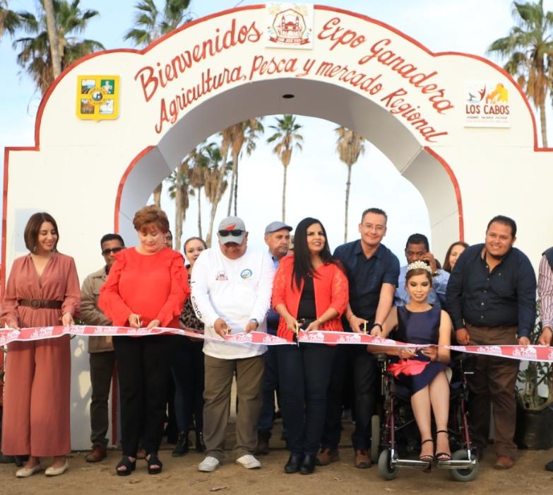 02 Con éxito y participación de familias Josefinas se realizó el .