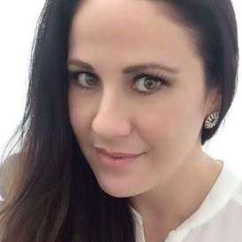 02 Lic. Irina Castro Olachea
